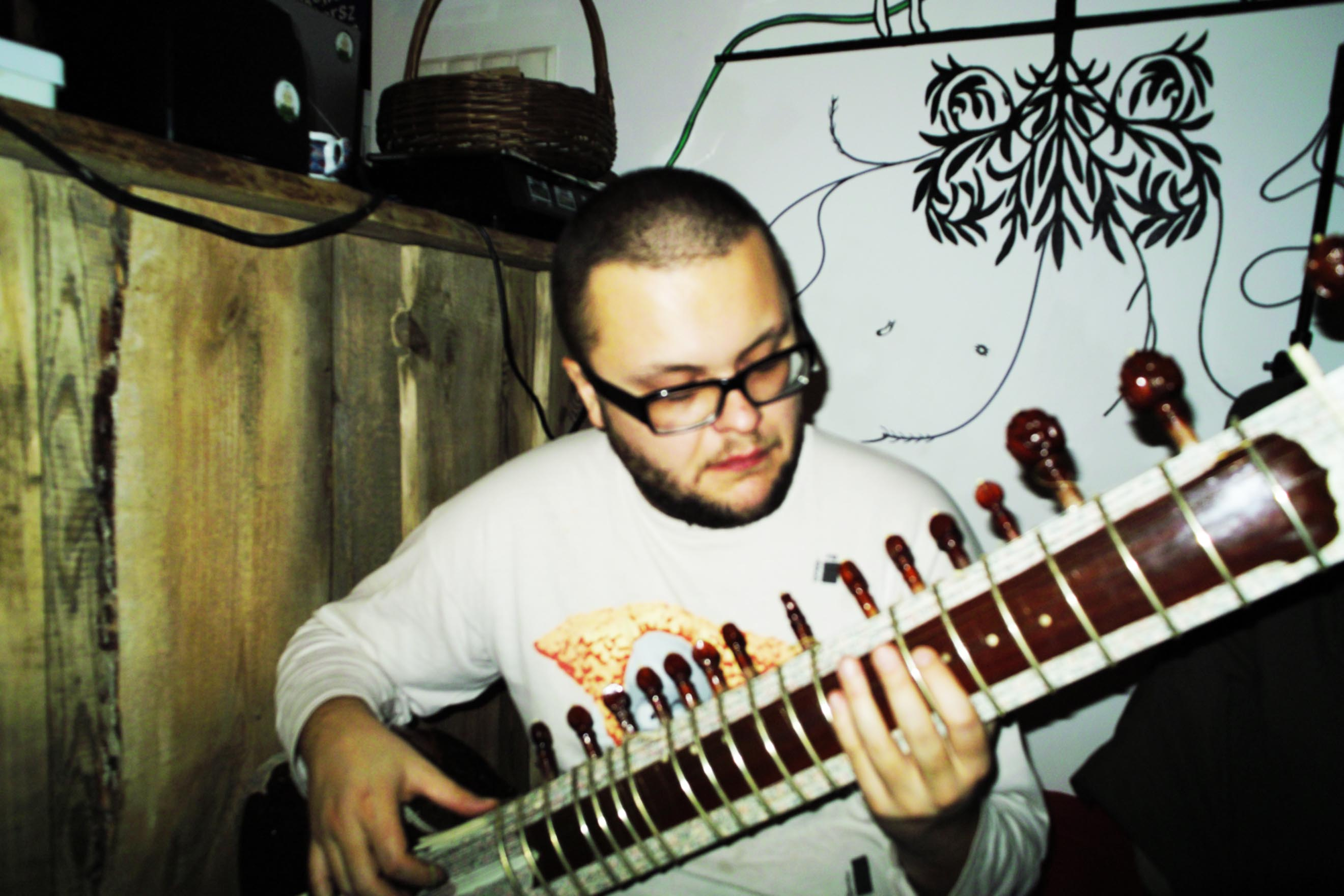Piotr Krakowski - sitar