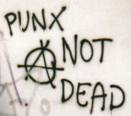 PunkNotDead-grafitti